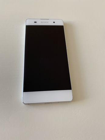 Мобильный телефон Sony Xperia F3112+10gb памяти