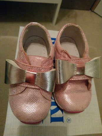 Sprzedam buciki dla dziewczynki