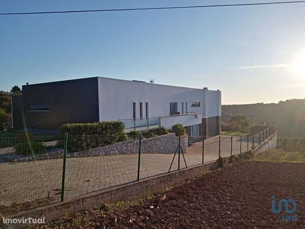 Moradia - 399 m² - T3