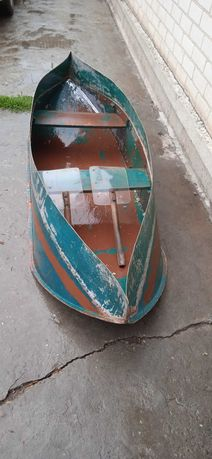 Продам лодку дюралевую.