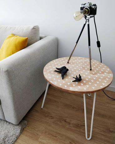 Mesa de apoio redonda estilo hobo