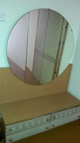 Stylowa sypialnia niemiecka meble - łóżko, komoda