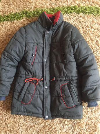 Зимняя куртка. 128см (капюшон есть)