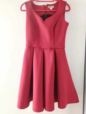 Piankowa sukienka