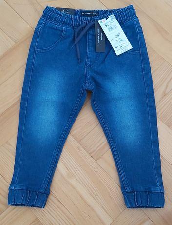 Nowe Spodnie jeans i materiał Reserved r. 92