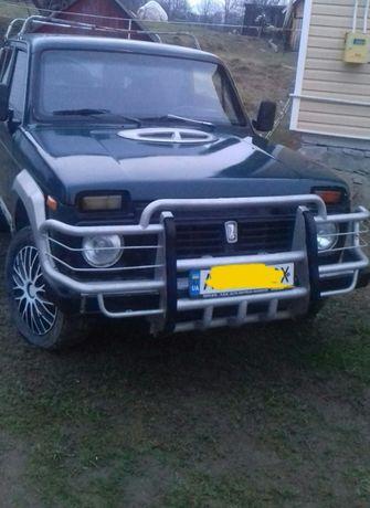 Продам автомобіль Нива 2121