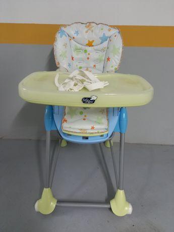 Cadeira de alimentação Bebe Confort com costas rebatíveis