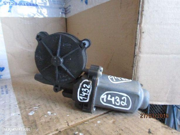 Motor elevador vidro MOTELEV1432 NISSAN / NAVARA / 2007 / TE /
