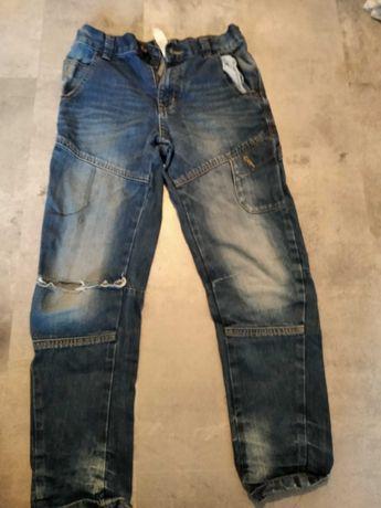 Spodnie chłopięce 134 cm