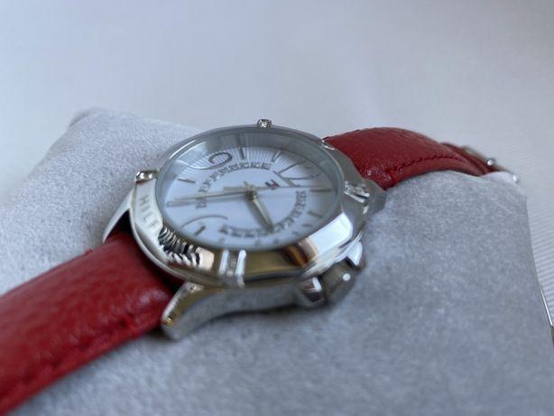 Relógio Tommy Hilfiger com 2 braceletes originais + extra