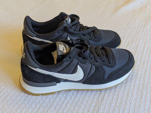 Оригиналы женские кроссовки Nike 37р