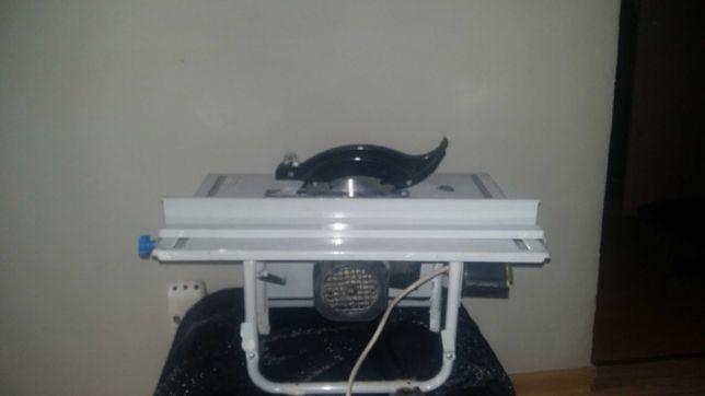 Pilarka stołowa Mac alister 800W