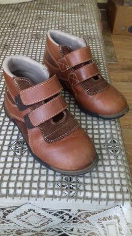 Взуття дитяче весняне