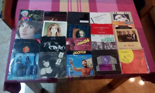 Conjunto de 20 Discos de Diversos Artistas Internacionais