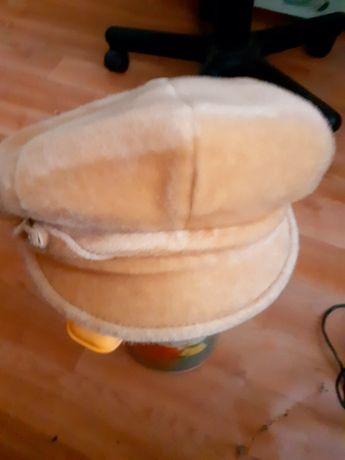 Женская кепи берет