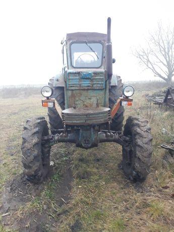 Трактор Т-40АМ в робочому стані