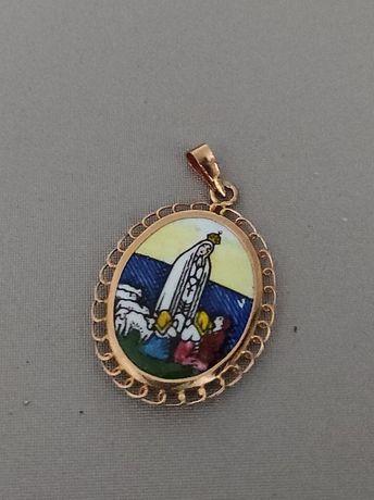 Medalha com aro em ouro de 19,2kt