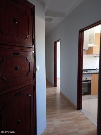 Apartamento T2 Avenidas Novas (Bairro Azul)