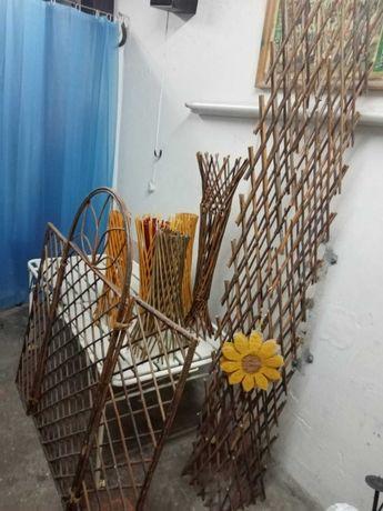 Suporte para vasos e painel decorativo em treliça