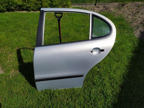 Drzwi tylne lewe Seat Leon Toledo II srebrne