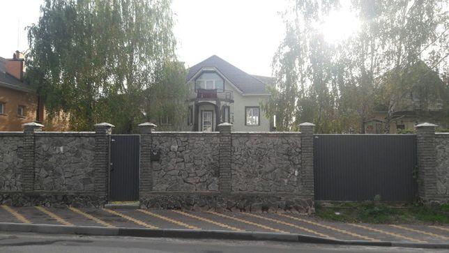 Продам дом 350 кв.м в с. Чайка, ул. Грушевского.