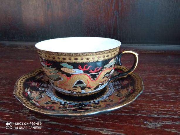 Zestaw filiżanek z japońskiej porcelany pozłacany