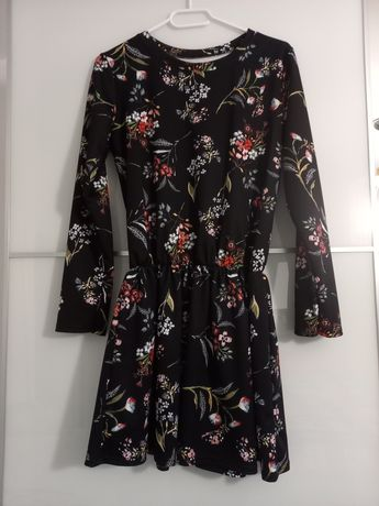 Sprzedam sukienkę rozmiar uniwersalny