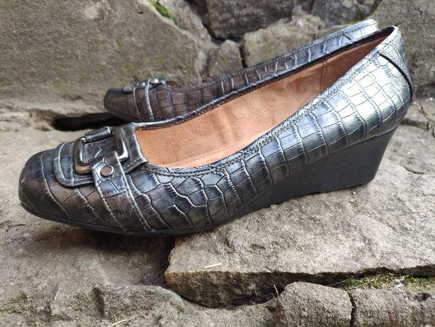 Туфли женские кожаные на танкетке Naturalizer