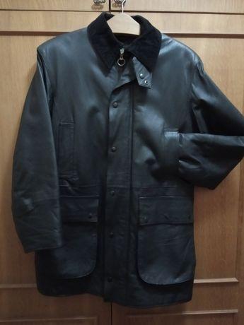 Куртка шкіряна утеплена.