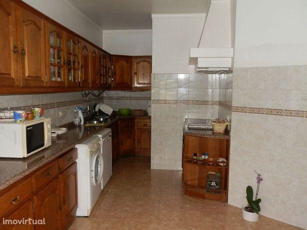 Apartamento T2 mobilado e equipado-centro- Castelo Branco
