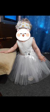 Отличное платье на годик .
