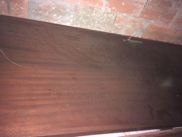 Portas de madeira Mogno antigas
