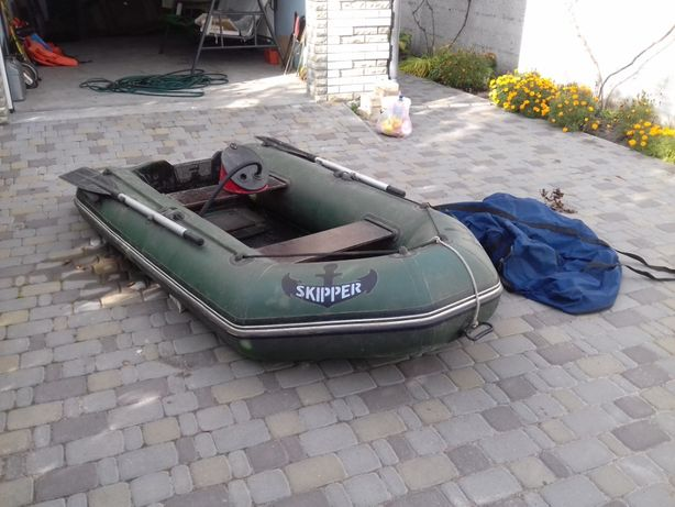 продам резиновую лодку шкипер 260