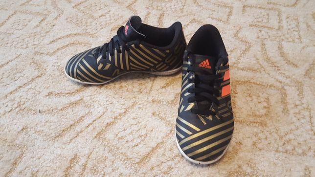 Halówki adidas 30 buty do piłki nożnej