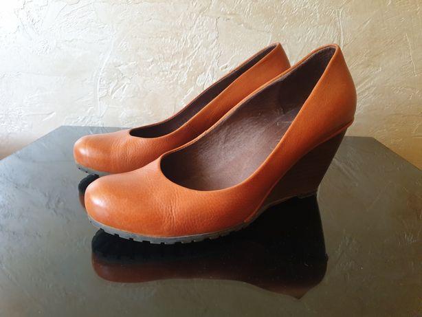 Ryłko buty na koturnie 37,5