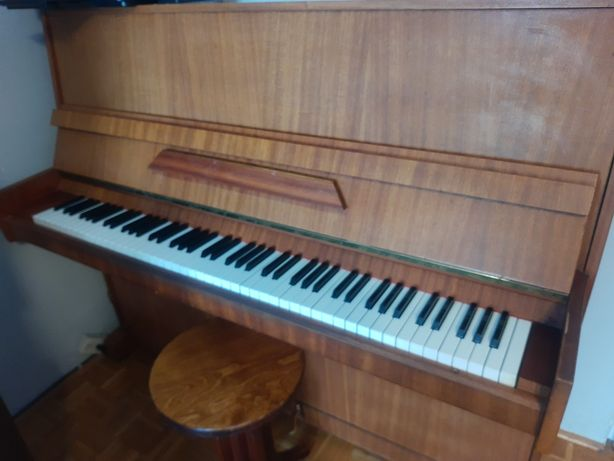 Pianino Calisia plus krzesło obrotowe, regulowana wysokość