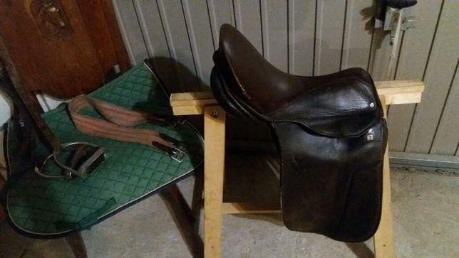 Siodło ujeżdżeniowe Stubben do jazdy konnej lub kucem 17 cała 42 cm