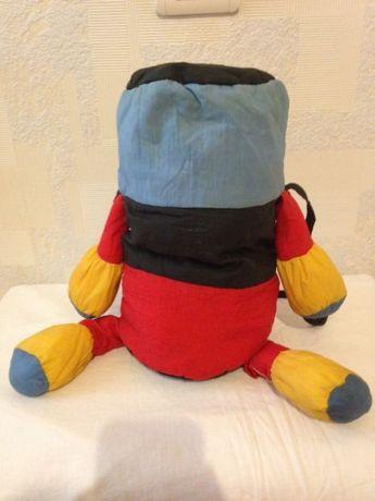 Детский рюкзачок человечек в хорошем состоянии