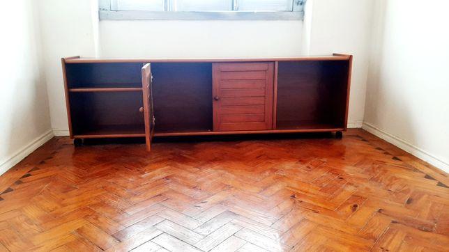 Movel TV, em madeira maciça