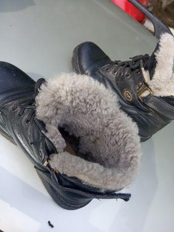 Кожаные зимние ботинки на цигейке