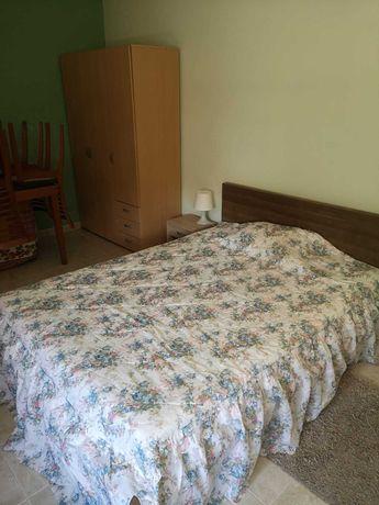 Alugo quarto INDIVIDUAL em moradia na Granja, Vialonga, junto ao MARL.