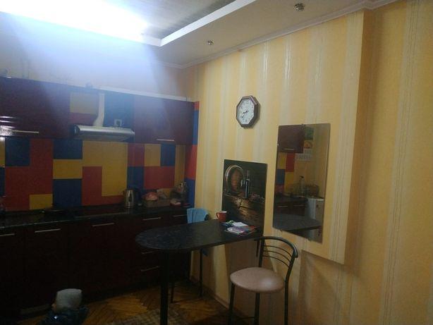 Сдам 2х ком  гостинку (малогабаритная квартира) 3мин от м. Масельского