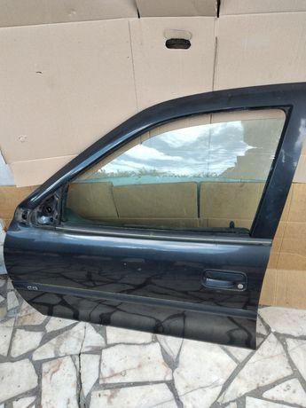 Portas da Frente e Trás Opel Vectra B Carrinha SW ANO 1998 Cor Preto