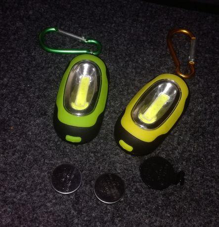 Latarka LED lampka ostrzegawcza breloczek dla pieszych rowerzystów