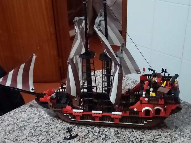 Vendo barco de pirata tipo lego