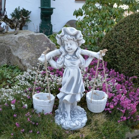 Figura ogrodowa Dziewczynka z wiaderkami Producent