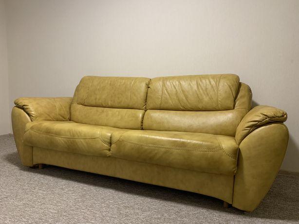 Продам РАСКЛАДНОЙ, 3-х местный диван из НАТУРАЛЬНОЙ кожи!