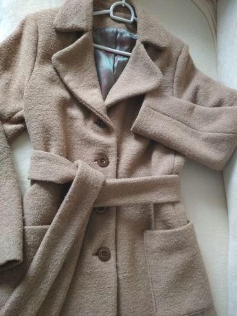 Płaszcz wełniany 40 boucle