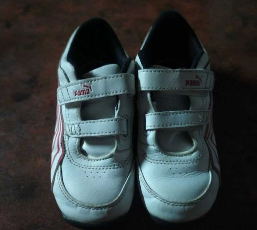 Продам кроссовки мальчику /девочке ,цвет белые с красным . Puma