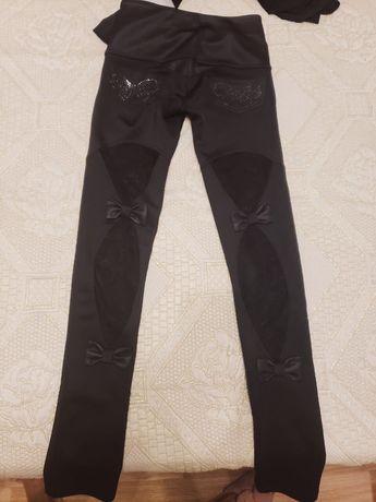 Стильные брюки. Материал тянущийся с гипюровыми вставками